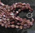 Perleť barvená - náhrdelník trojřadý