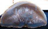 Achát - pecka půlená leštěná