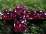 Granát český - přívěšek křížek 2,8