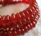 Karneol - náhrdelník krátký s drobnými čočkami