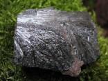 Pyroluzit - krystaly na matečné hornině